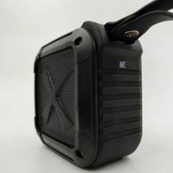 Портативная влагозащищённая и ударопрочная Bluetooth колонка W-king S7