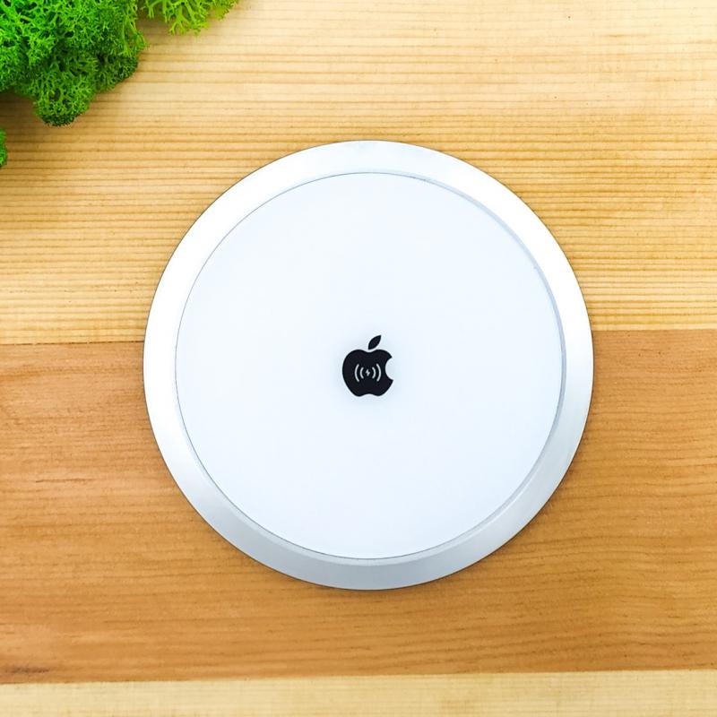 Беспроводное металлическое зарядное устройство Apple iPhone